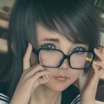 メガネ美少女 Mint